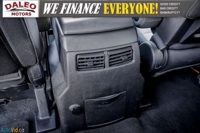 2011 Nissan Titan AWD / POWER DRIVER SEAT & WINDOWS / LOW KMS Photo12