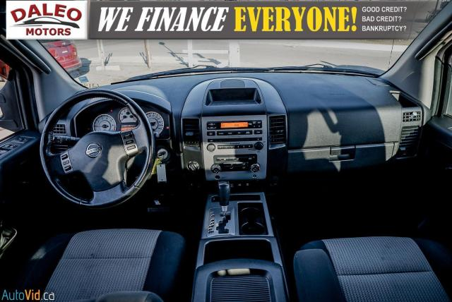 2011 Nissan Titan AWD / POWER DRIVER SEAT & WINDOWS / LOW KMS Photo13