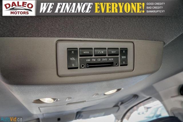 2011 Nissan Titan AWD / POWER DRIVER SEAT & WINDOWS / LOW KMS Photo16