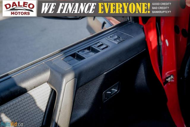 2011 Nissan Titan AWD / POWER DRIVER SEAT & WINDOWS / LOW KMS Photo17