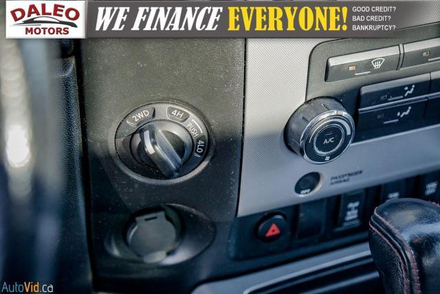 2011 Nissan Titan AWD / POWER DRIVER SEAT & WINDOWS / LOW KMS Photo21