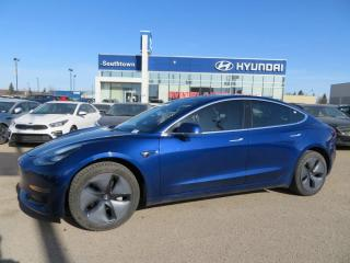 Used 2019 Tesla Model 3 MODEL 3/NAV/GLASS ROOF/LEATHER for sale in Edmonton, AB