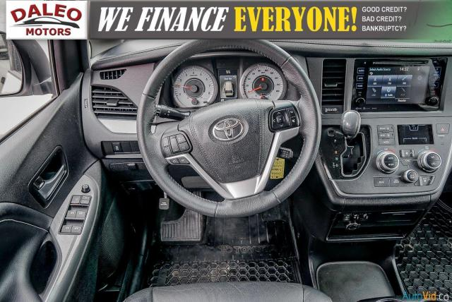 2017 Toyota Sienna SE / CALL FOR DETAILS / BRAND DISCLOSURE Photo17
