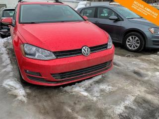 Used 2017 Volkswagen Golf Sportwagen Man Comfortline 1.8 TSI + Très Bas Kilo + Toit for sale in Québec, QC