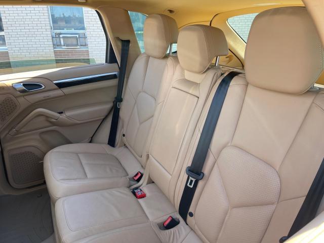 2012 Porsche Cayenne Premium AWD Navigation/Panoramic Sunroof/Camera Photo8