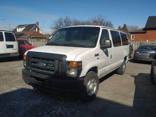 Used 2011 Ford Econoline Wagon E-350 Super Duty XL for sale in Oshawa, ON