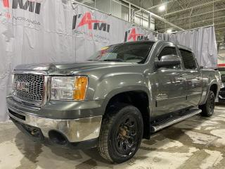 Used 2011 GMC Sierra 1500 4WD Crew Cab 143.5  SL Nevada Edition for sale in Rouyn-Noranda, QC