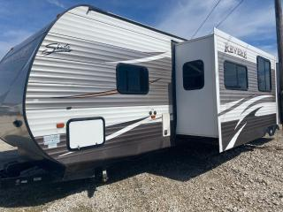 Used 2016 SHASTA Revere 33TS for sale in Tilbury, ON