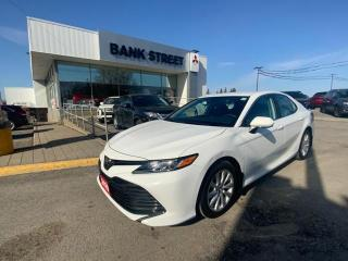Used 2020 Toyota Camry LE for sale in Gloucester, ON