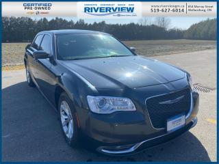 Used 2018 Chrysler 300 Touring No Accidents | Bluetooth | Panorama Roof for sale in Wallaceburg, ON