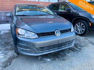 Used 2017 Volkswagen Golf Man Trendline 1.8 TSI + Bluetooth + Caméra for sale in Québec, QC