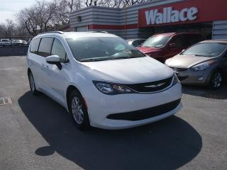 Used 2017 Chrysler Pacifica Touring for sale in Ottawa, ON