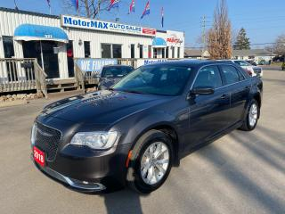 Used 2018 Chrysler 300 300 Touring-Accident Free-Low Kms for sale in Stoney Creek, ON