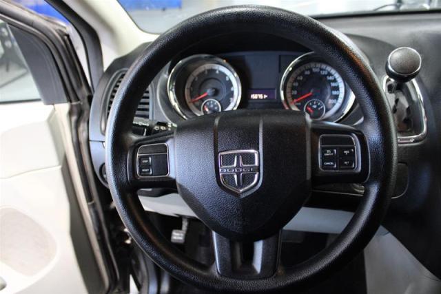 2016 Dodge Grand Caravan WE APPROVE ALL CREDIT