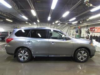 Used 2017 Nissan Pathfinder SV AWD CAMÉRA*MAIN LIBRE*SIÈGES CHAUFFAN for sale in Lévis, QC