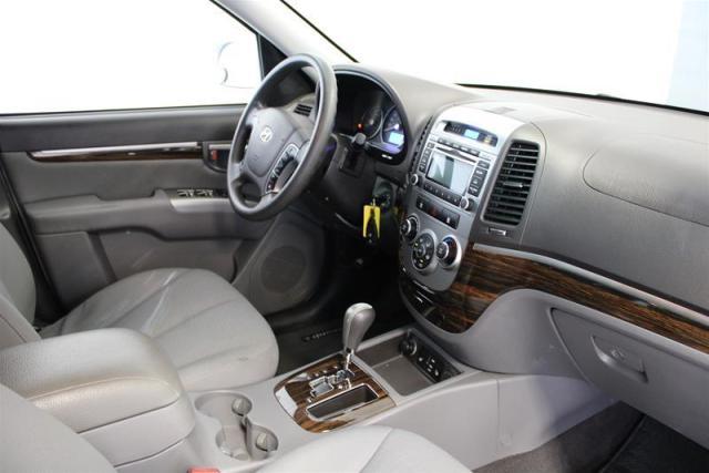 2012 Hyundai Santa Fe WE APPROVE ALL CREDIT.