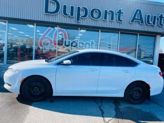 Used 2015 Chrysler 200 Berline 4 portes Limited, traction avant for sale in Alma, QC