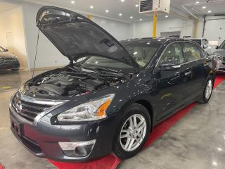 Used 2013 Nissan Altima SL for sale in Richmond Hill, ON