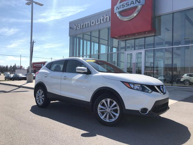 2017 Nissan Qashqai SV AWD NO OPTION