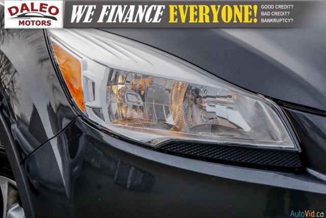 2015 Ford Escape TITANIUM / BACK UP CAM / LEATHER / NAVI / PANOROOF Photo2