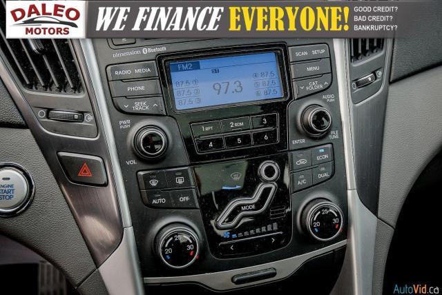 2013 Hyundai Sonata LIMITED / HYBRID/ HEATED SEATS / PANO ROOF / Photo22