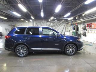 Used 2016 Mitsubishi Outlander SE TOURING AWD CAMÉRA*MAIN LIBRE*SIÈGES for sale in Lévis, QC
