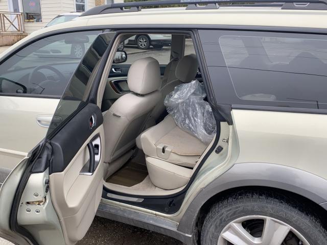 2005 Subaru Outback 3.0R Photo6
