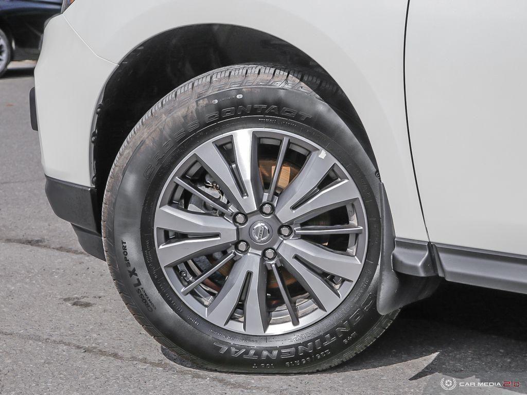 2020 Nissan Pathfinder SV Tech