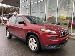 Used 2017 Jeep Cherokee SPORT , 4X4 , SIÈGE CHAUFFANT , VOLANT C for sale in Ste-Agathe-des-Monts, QC
