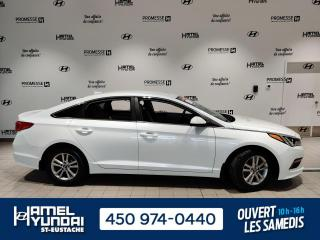 Used 2015 Hyundai Sonata GL ** CONFORTABLE ET SPACIEUSE** for sale in St-Eustache, QC
