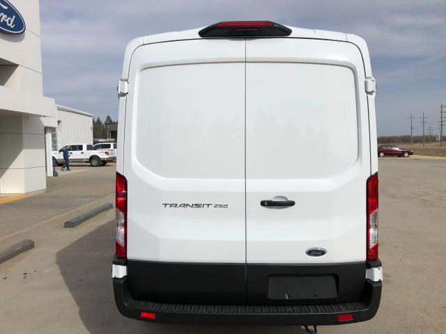"""2021 Ford Transit Cargo Van T-250 130"""" Med Rf 9070 GVWR RWD"""