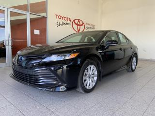 Used 2018 Toyota Camry HYBRID * HYBRID * SIEGES CHAUFFANTS * CAMERA DE RECUL * for sale in Mirabel, QC