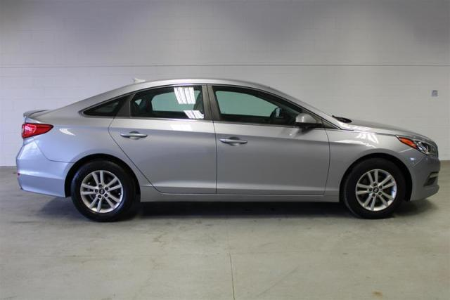 2015 Hyundai Sonata WE APPROVE ALL CREDIT.