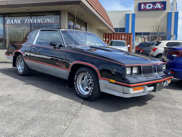1983 Oldsmobile Cutlass Calais     HURST/OLDS  15th Anniversary