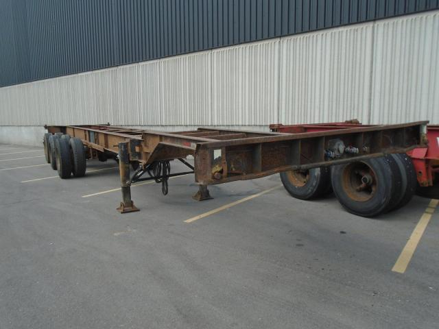 2005 Strick COMBO CONTAINER CHASSIS