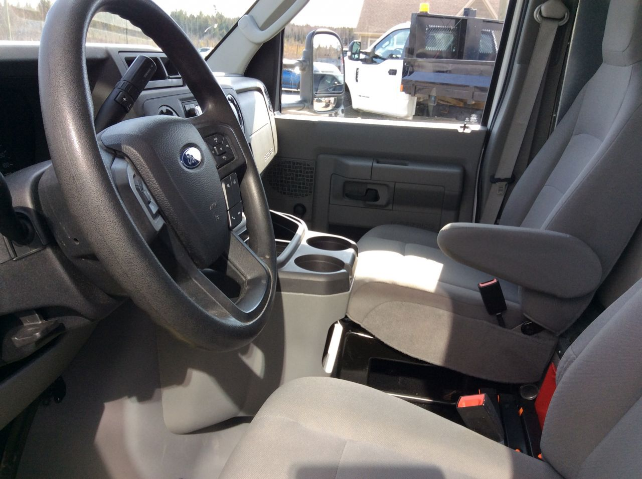 2021 Ford E-450