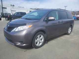 Used 2013 Toyota Sienna LE, 8 PASSAGERS, ENS REMORQUAGE for sale in Vallée-Jonction, QC