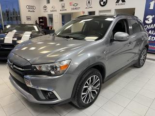 Used 2018 Mitsubishi RVR SE LTD / 4WD / TOIT / CUIR / CAMERA / for sale in Sherbrooke, QC