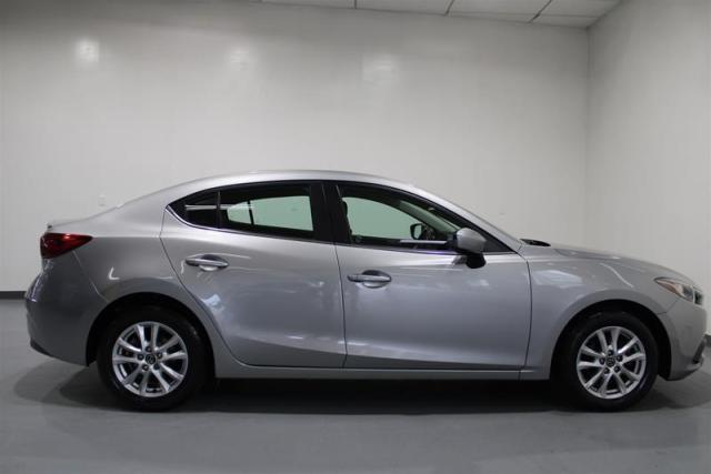 2015 Mazda MAZDA3 WE APPROVE ALL CREDIT