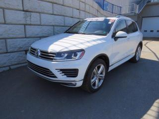 Used 2015 Volkswagen Touareg Highline $116/wk Taxes Included $0 Down for sale in Fredericton, NB