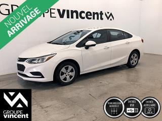 Used 2017 Chevrolet Cruze L / MANUEL ** GARANTIE 10 ANS ** Berline à bas kilométrage et abordable! for sale in Shawinigan, QC
