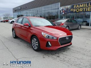 Used 2020 Hyundai Elantra GT prefrerred,cam de recul,bancs chauffants for sale in Sherbrooke, QC