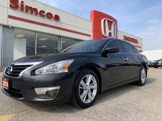 Used 2014 Nissan Altima 2.5 SV for sale in Simcoe, ON