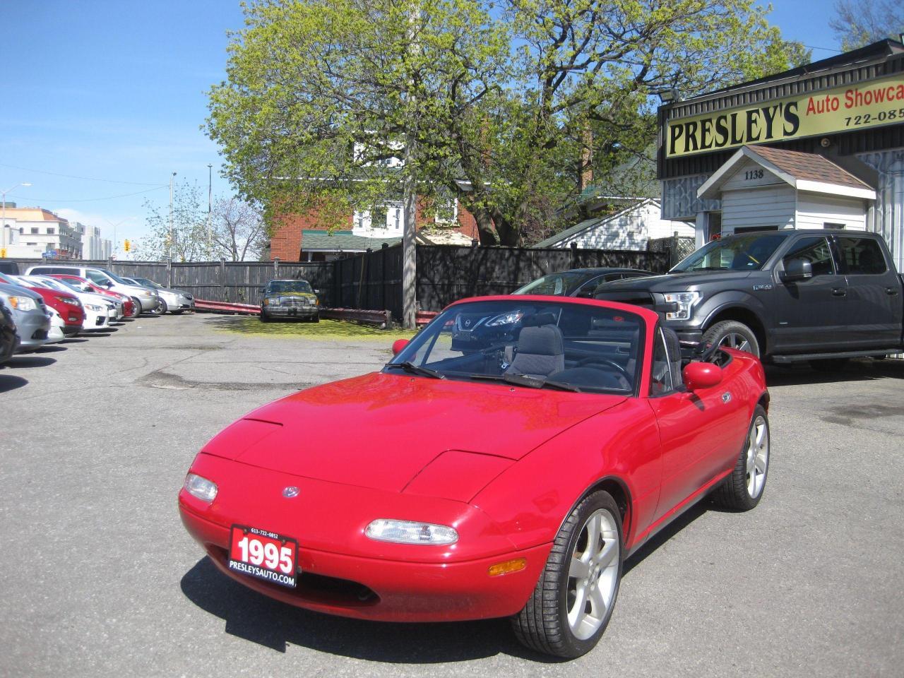 1994 Mazda Miata MX-5 Auto Convertible 2 door Low mileage