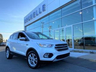 Used 2018 Ford Escape SE Blanc platine for sale in St-Eustache, QC