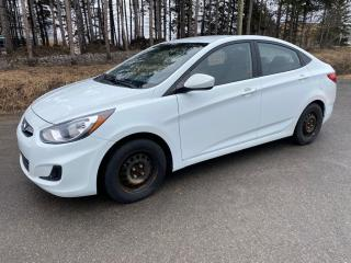 Used 2012 Hyundai Accent GL for sale in Mirabel, QC