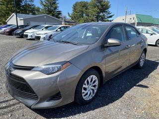 Used 2017 Toyota Corolla Berline 4 portes, boîte manuelle, CE for sale in Victoriaville, QC