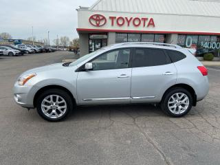 Used 2013 Nissan Rogue SV AWD for sale in Cambridge, ON
