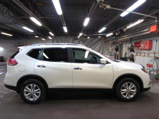 Used 2015 Nissan Rogue SV AWD TOIT*MAIN LIBRE*CAMÉRA for sale in Lévis, QC