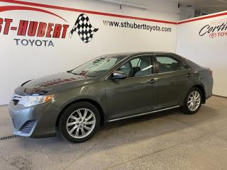 Used 2014 Toyota Camry Auto LE, TOIT OUVRANT for sale in St-Hubert, QC